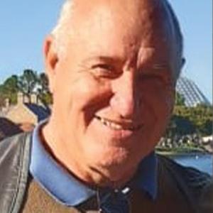V. Víctor Tonelli